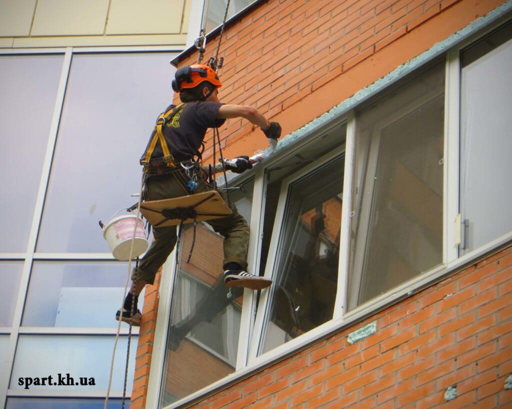 Герметизация откосов окон в Харькове
