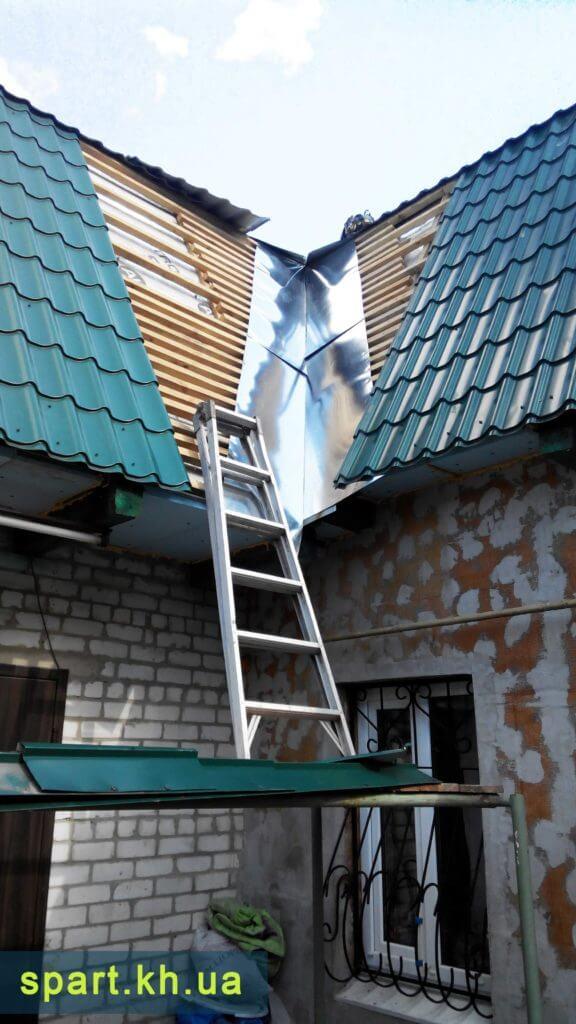 Ремонт кровли в частном доме в Харькове