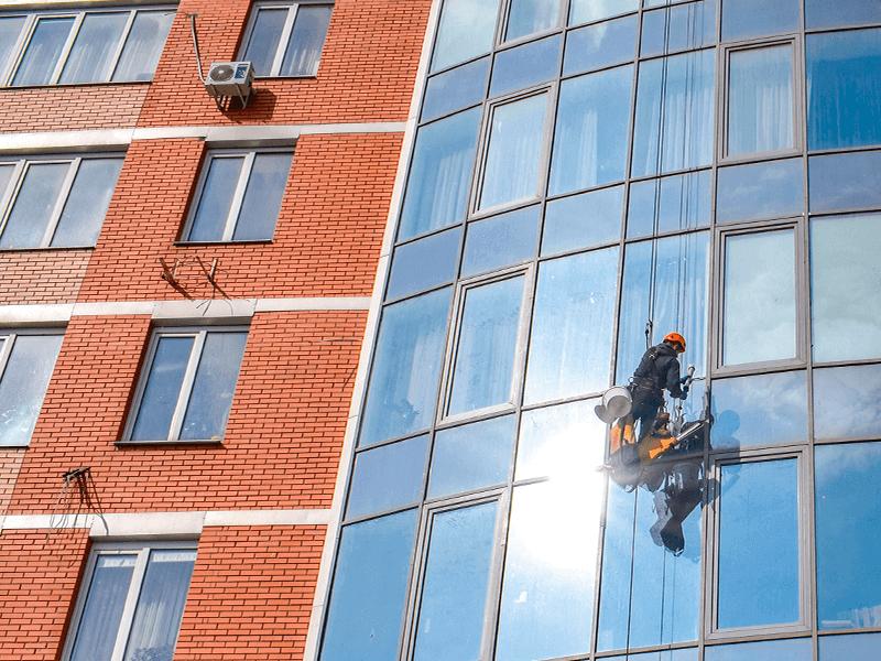 мойка стеклянных фасадов
